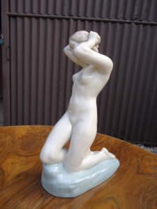 Starožitná soška starožitný porcelán rosenthal
