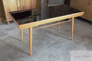 starozitne psaci stoly